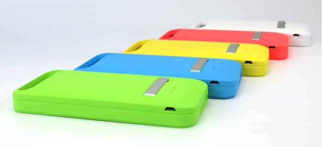iPhone 5c専用!MFi認証取得のカラフルなバッテリー内蔵ケース