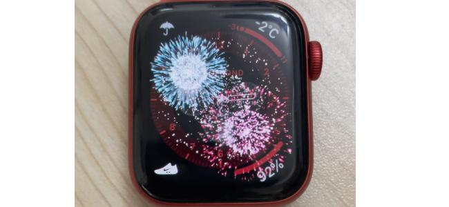 元日限定!今年もApple Watchの新年メッセージをタップで画面に花火が上がる