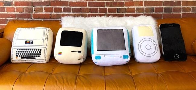 Apple Ⅱ、Macintosh 128K、iMacにiPod、iPhoneとAppleのターニングポイントとなった製品デザインのクッションがKickstarterで出資を募集中