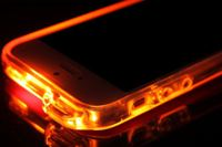 iPhoneが鮮やかに光る!LEDフラッシュ通知を利用した超カッコいいケースが登場!