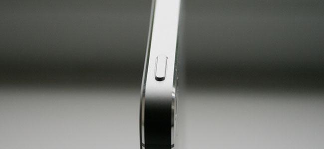 iPhone 5のスリープボタンの調子が悪いって?それならAppleがタダで修理してくれますよ。