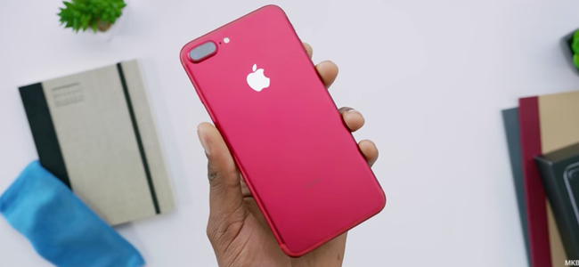 iPhone 7 (PRODUCT)RED Special Editionの開封動画が公開。マットな金属の赤に鏡面仕上げのリンゴマークがアクセントに
