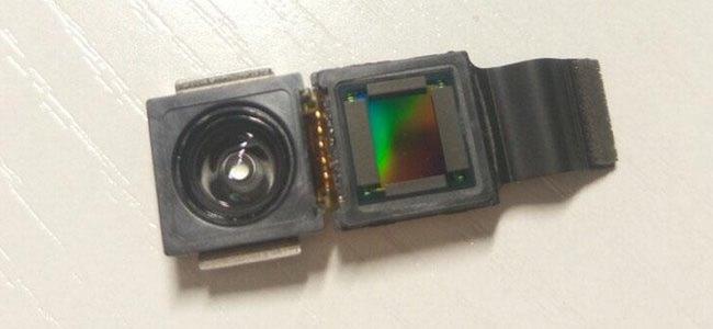 iPhone 8の顔認証用の3Dカメラモジュールとされる画像が投稿される