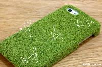 モッサモサのフッカフカ♪芝生の感触が気持ちいいiPhone 5ケース「shibaful」発売!