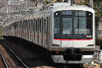 東急東横線、渋谷駅〜中目黒駅間の新地下路線にて携帯電話サービスが開始!