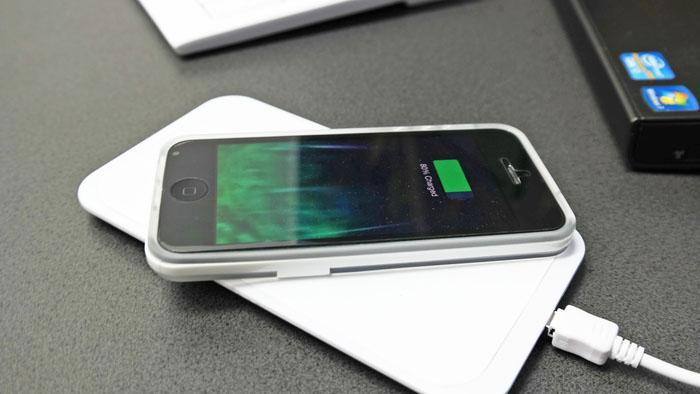 「iPhone ワイヤレス充電」の画像検索結果