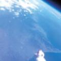 iPhone、成層圏へ。内蔵カメラで撮影した地球はやはり丸くて青かった。
