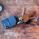 ケーブルなんていらない!プラグとLightning端子が一体になった世界最小の充電アダプタ「Chargerito」