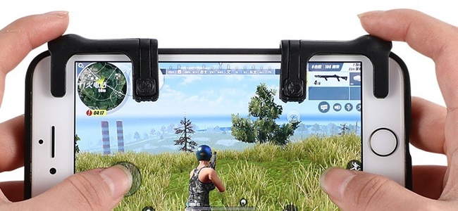 スマホ向けバトルロイヤルゲーム「荒野行動」を快適に遊ぶためのアタッチメントが登場。キーコンフィグ次第で他ゲームでも使えそう