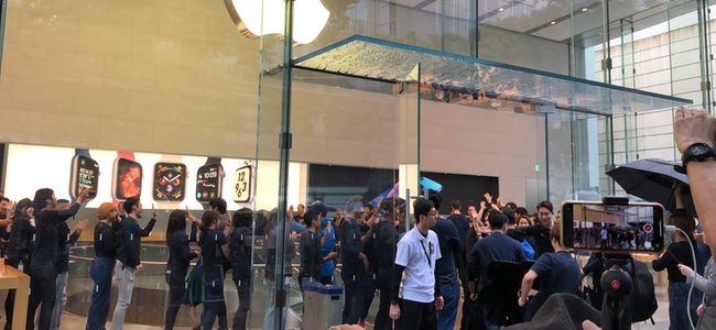 「iPhone XS」「iPhone XS Max」発売!Apple 表参道発売日ストアレポート