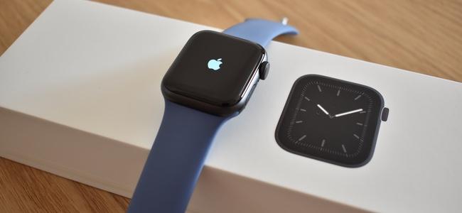 Apple Watch Series 5を開封!写真レビュー。外観としてはSeries 4から一切変化ナシ