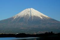 登頂の感動を即投稿できる!富士山の山頂で3キャリアのLTEサービス始まる!