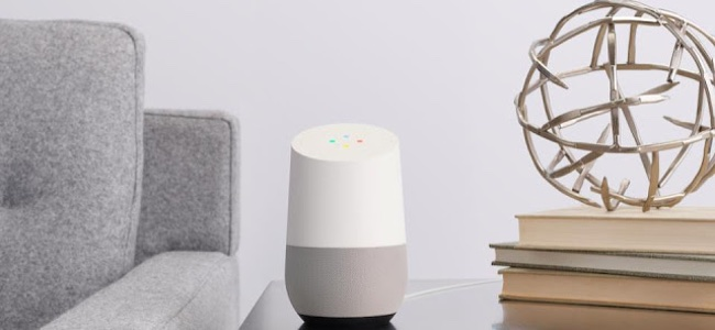 Googleのスマートスピーカー「Google Home」は14000円で10月6日、「Google Home Mini」は6000円で10月23日より発売開始。auも取扱を発表