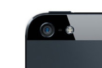 iPhone 5Sは前面と背面の2カメラで同時に写真を撮る「デュアルショット」に対応?