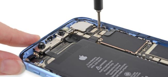iFixitがiPhone XRの分解レポートを公開。修理難易度スコアは10点中6。バックガラス破損でシャーシ全体の交換が必要な点がマイナス