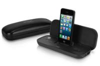 パカッと開いてiPhoneとドッキング!持ち運びに便利な折りたたみ式スピーカーが登場!